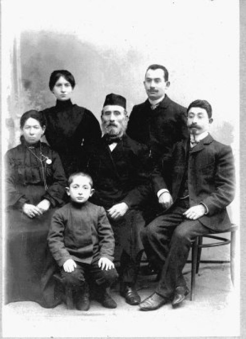 Solomon and Fannie with four of their children